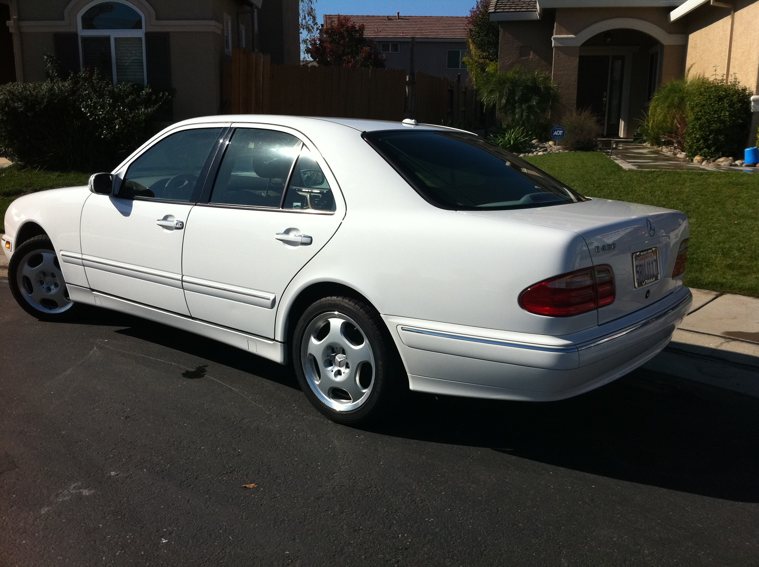 Photos of mercedes benz e 430 photo galleries on flipacars for Mercedes benz elk grove